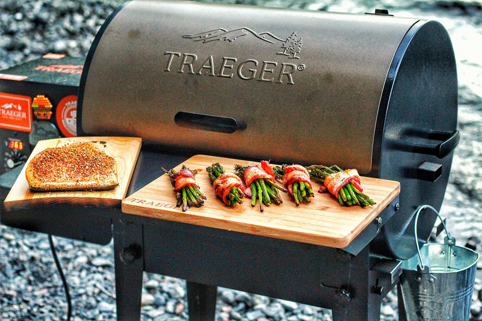 Product Review: Traeger Tailgater Wood Pellet Grill